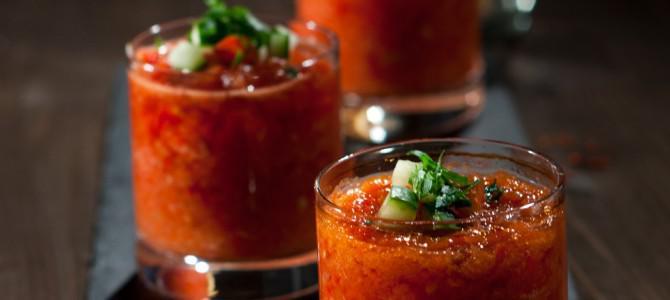 Жарознижувальне: 9 холодних супів за рецептами кухонь світу