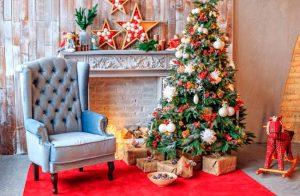 kak ukrasit dom k novomu godu 2019 300x196 - Новогоднее украшение дома, украшаем своими руками