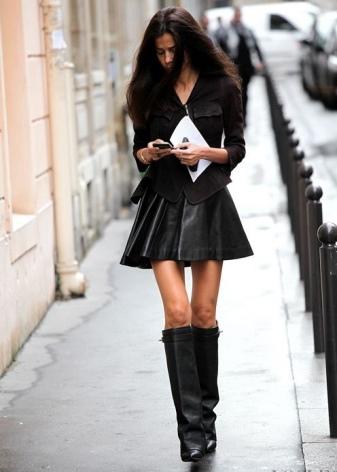 choboti givenchy 67 foto zh noch model z lancyuzhkom ta napuskom 2 - Чоботи Givenchy (67 фото): жіночі моделі з ланцюжком та напуском