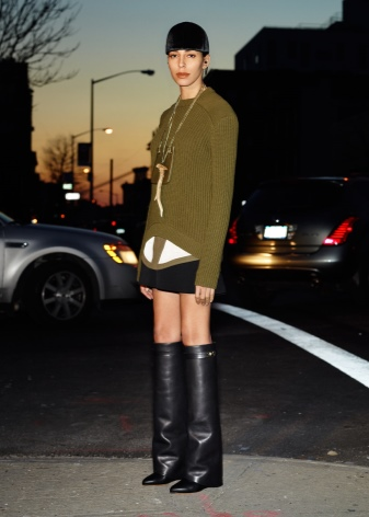 choboti givenchy 67 foto zh noch model z lancyuzhkom ta napuskom 35 - Чоботи Givenchy (67 фото): жіночі моделі з ланцюжком та напуском