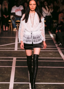 choboti givenchy 67 foto zh noch model z lancyuzhkom ta napuskom 9 - Чоботи Givenchy (67 фото): жіночі моделі з ланцюжком та напуском